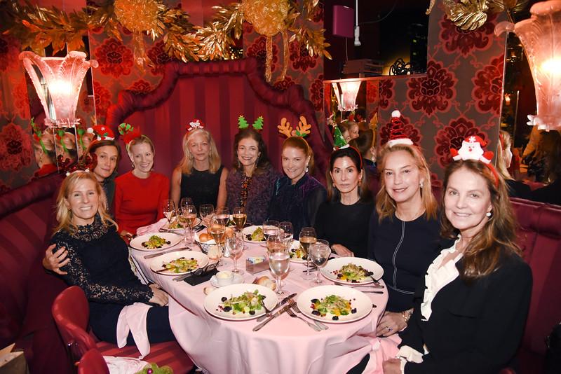 AWA_0492 Olga Voltis table