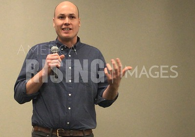 JD Scholten attends Democratic Committee meeting in Des Moines, IA