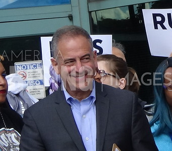Russ Feingold At Hillary Clinton Campaign Early Vote Rally In Milwaukee, WI