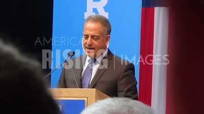 Russ Feingold At Hillary Clinton Campaign Rally With Elizabeth Warren In Madison, WI