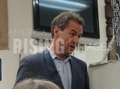 Steve Bullock attends meet and greet in Storm Lake, IA