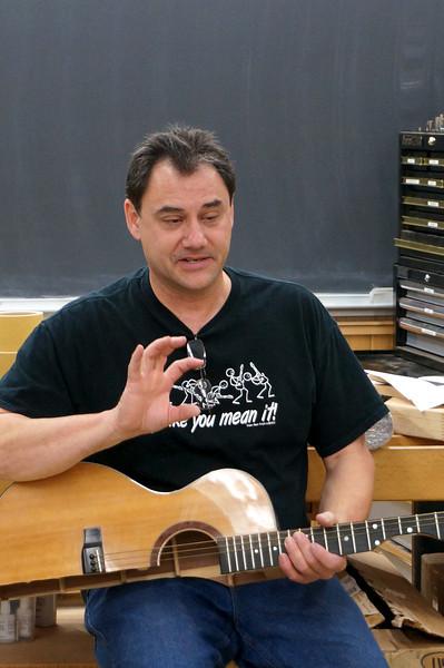 Acoustic Guitar w Ressler 4