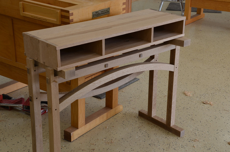 Entry Table with Pekovich 50