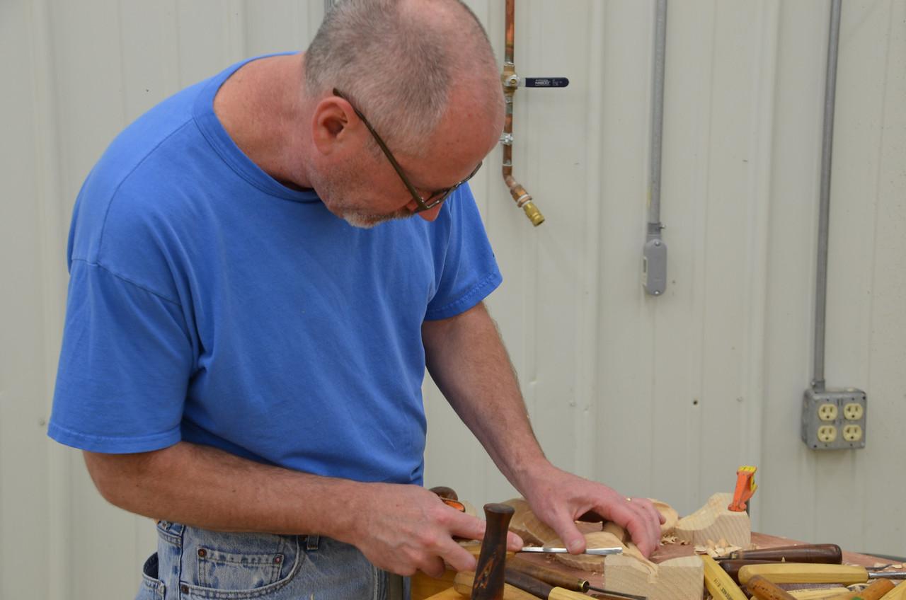 Carving w Esterley 35