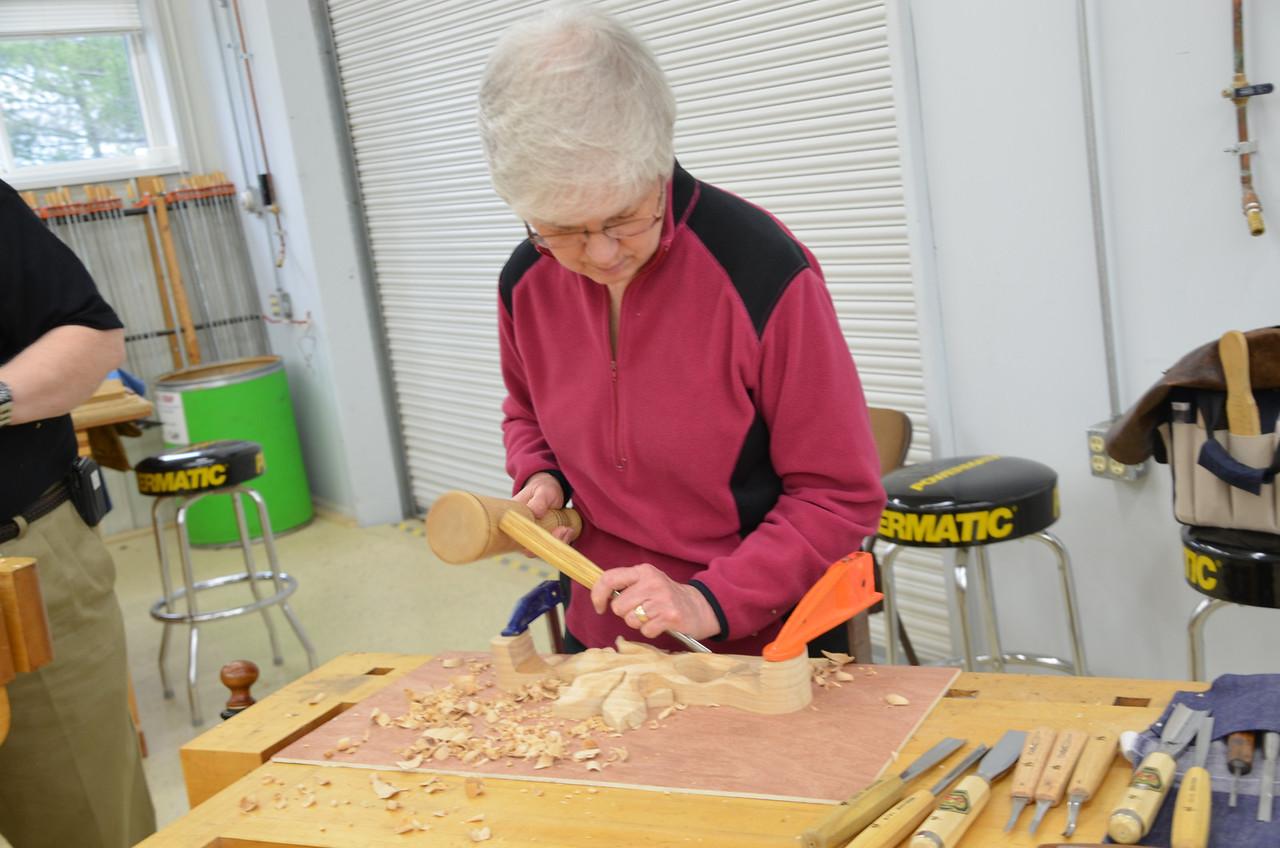 Carving w Esterley 70