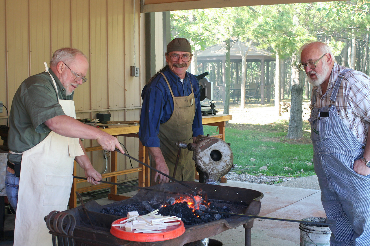 Blacksmithing w Burt 59