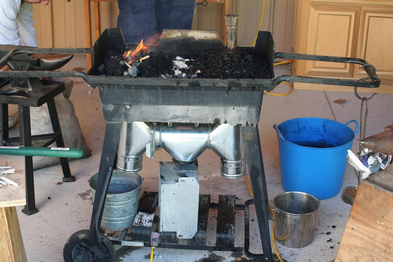 Blacksmithing w Burt 62