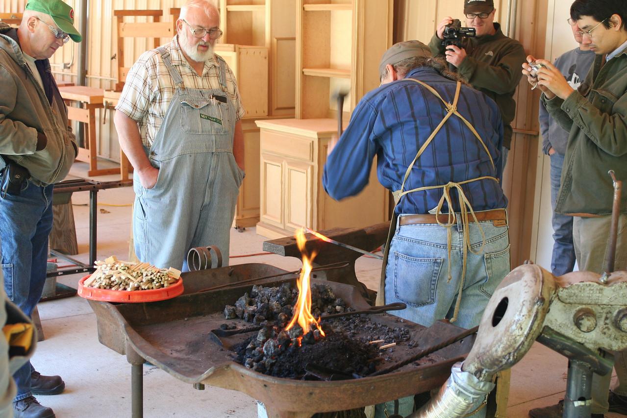 Blacksmithing w Burt 16