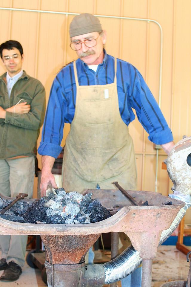 Blacksmithing w Burt 20