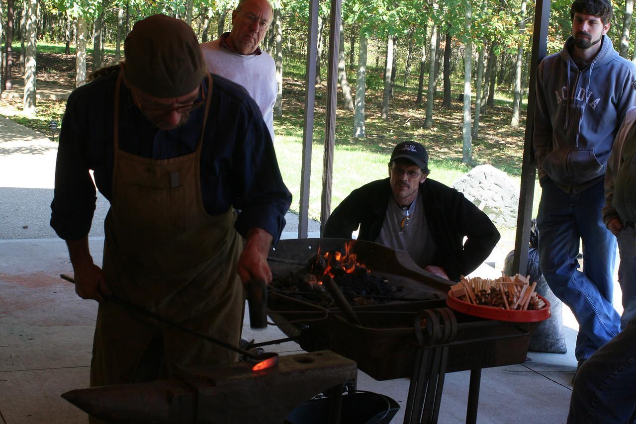 Blacksmithing w Burt 39