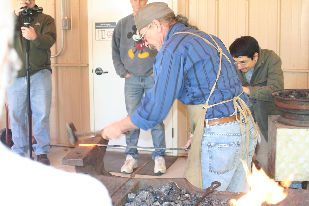 Blacksmithing w Burt 23