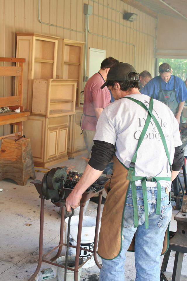 Blacksmithing w Burt 81