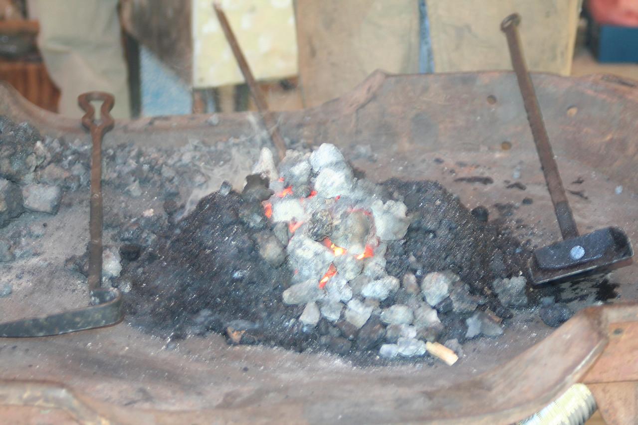 Blacksmithing w Burt 32