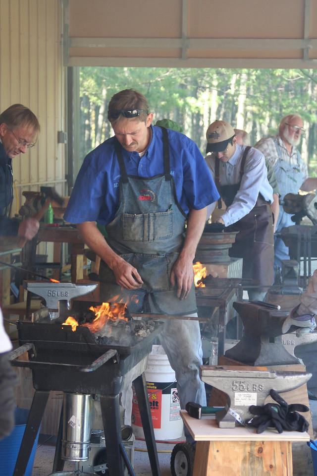 Blacksmithing w Burt 80