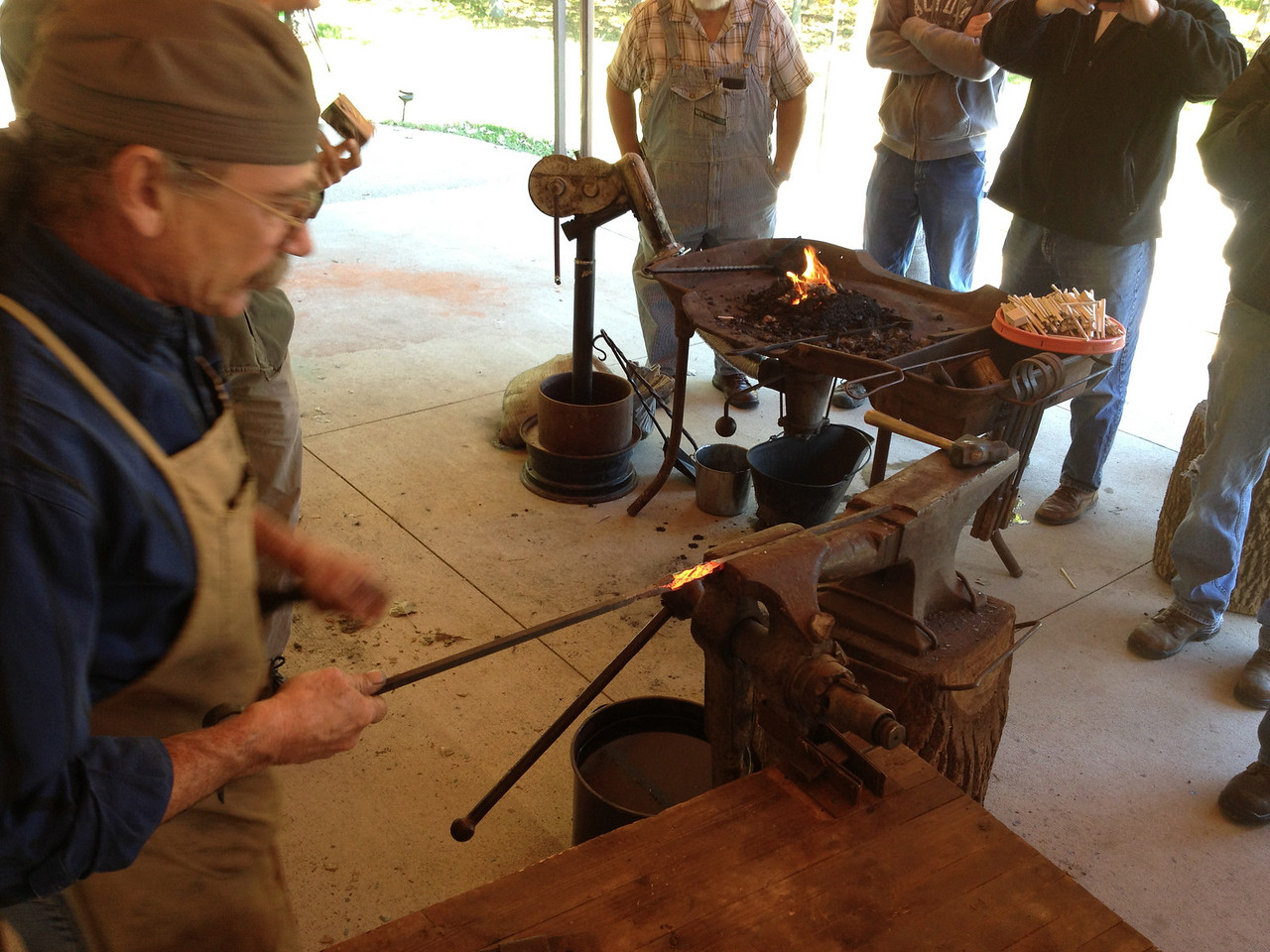 Blacksmithing w Burt 45