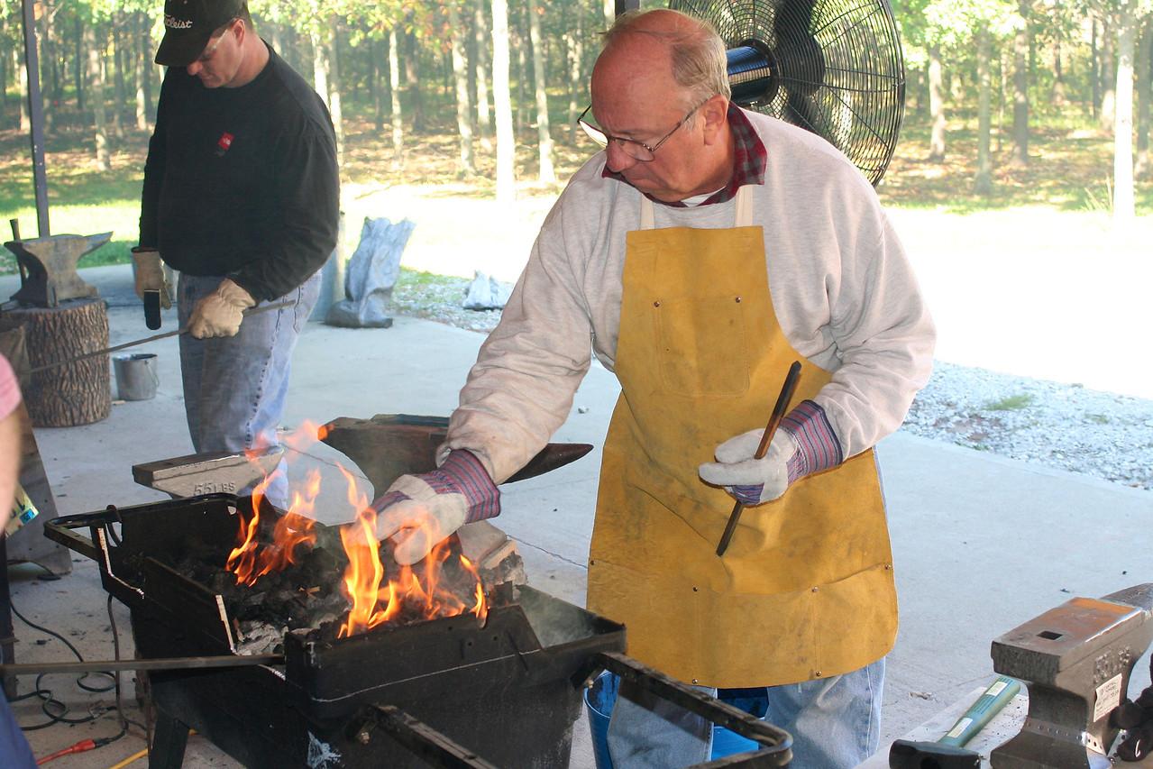 Blacksmithing w Burt 86