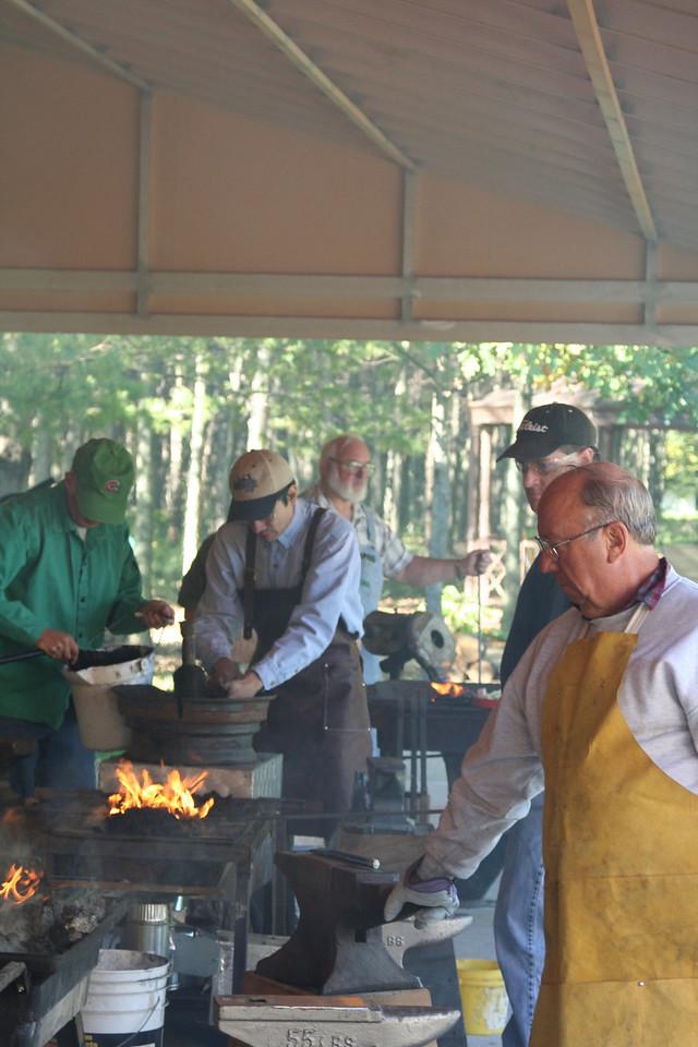 Blacksmithing w Burt 78