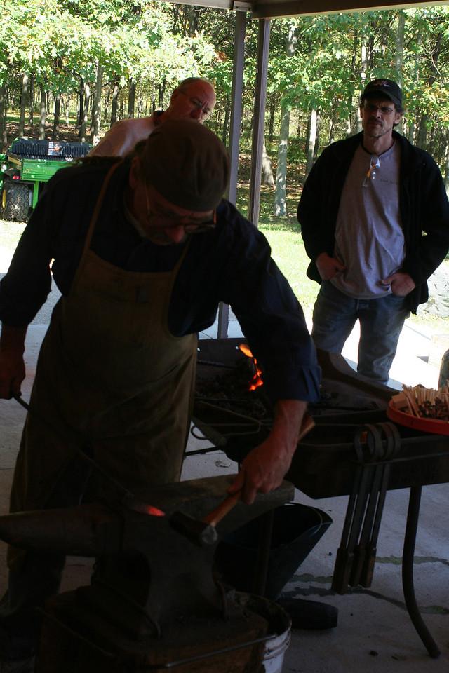 Blacksmithing w Burt 42
