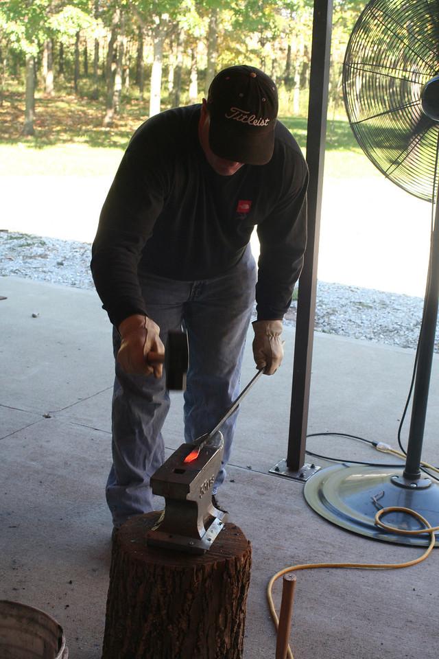 Blacksmithing w Burt 89