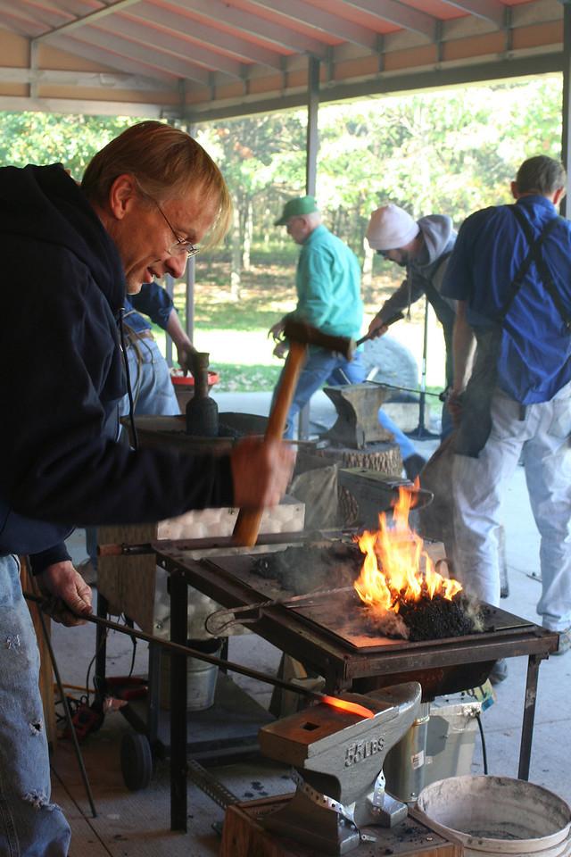 Blacksmithing w Burt 91