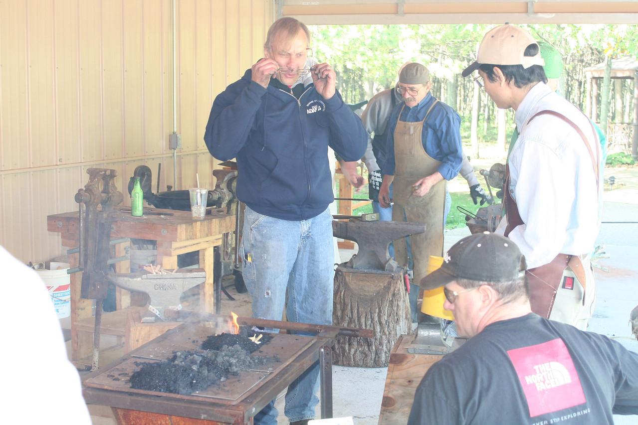 Blacksmithing w Burt 55