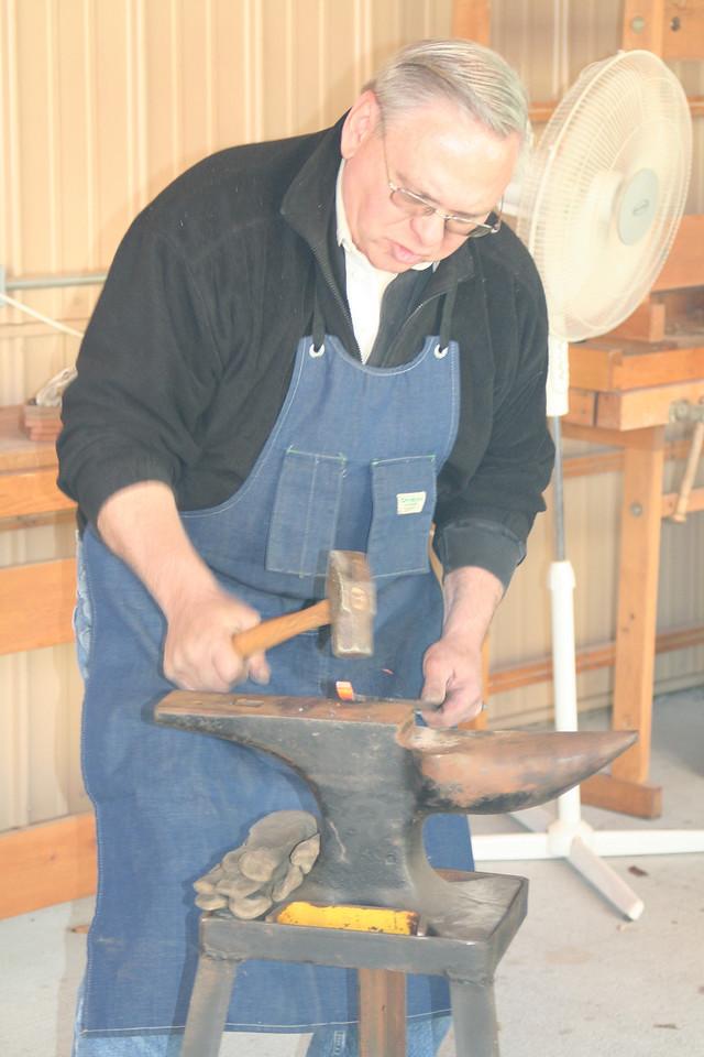 Blacksmithing w Burt 82