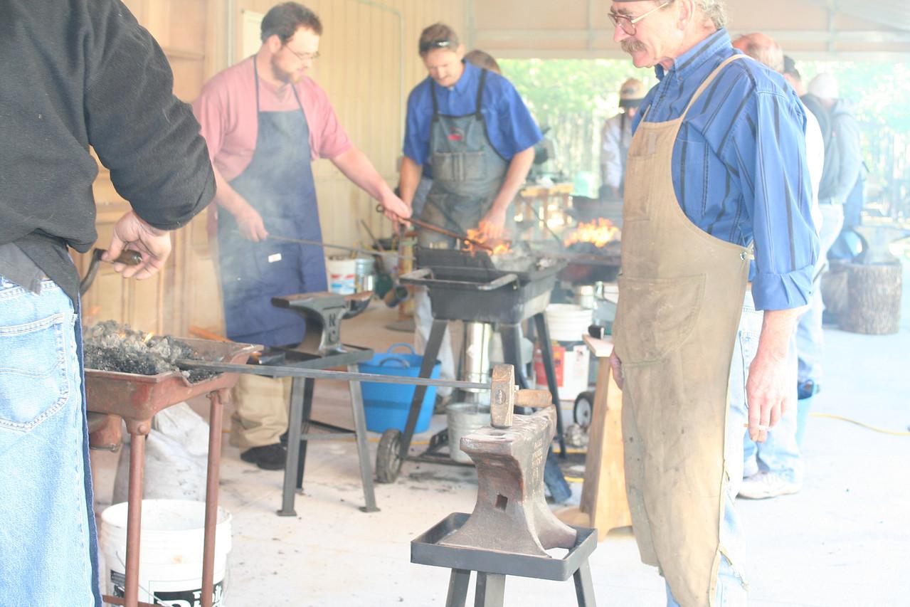 Blacksmithing w Burt 72