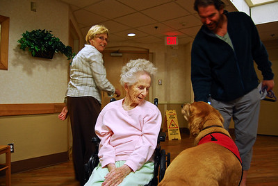 Charlie and Lucky visiting the Heritage Place Alzheimers Center in Bandon, Oregon