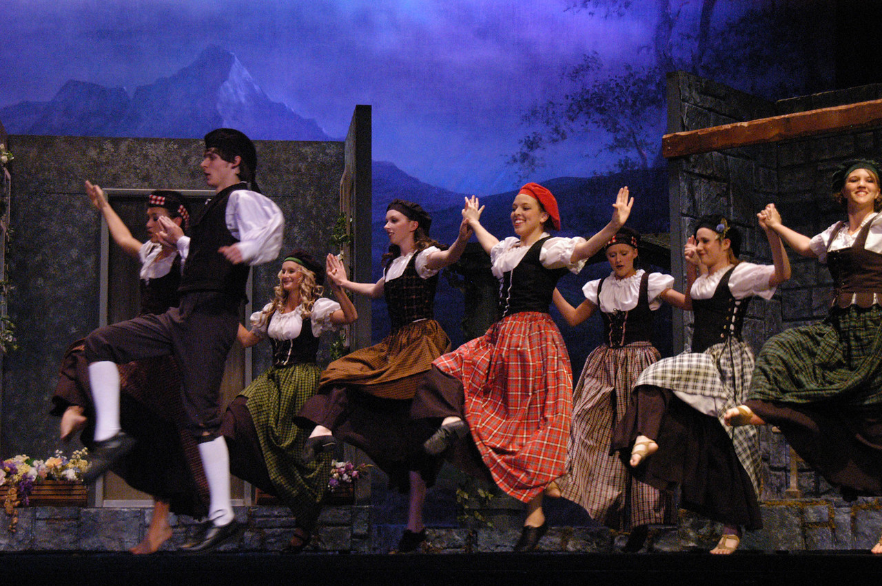 4/6/07 – I photograph all the plays at Pleasant Grove High School. None of my kids are in the plays but we started when Jessica was there and have kept doing it. This is a shot from Brigadoon.