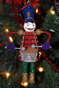 12/30/07 – We were at the neighbor's home and they have some of the best Christmas decorations. I captured images of several of them but this one on the tree was one that was obviously special to them because they asked me to try and shoot it. I don't think you can ever have enough Christmas decorations. Of course now comes the time to put them all away.