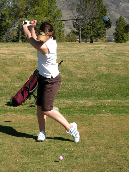 3/17/07 – Sorry for one more golf shot but Jessica wanted to go golfing. This was her first time out this year. She played well. She wants to get in as many rounds as possible before she leaves for spring term at BYU Hawaii. I guess as her father I will have to support her.