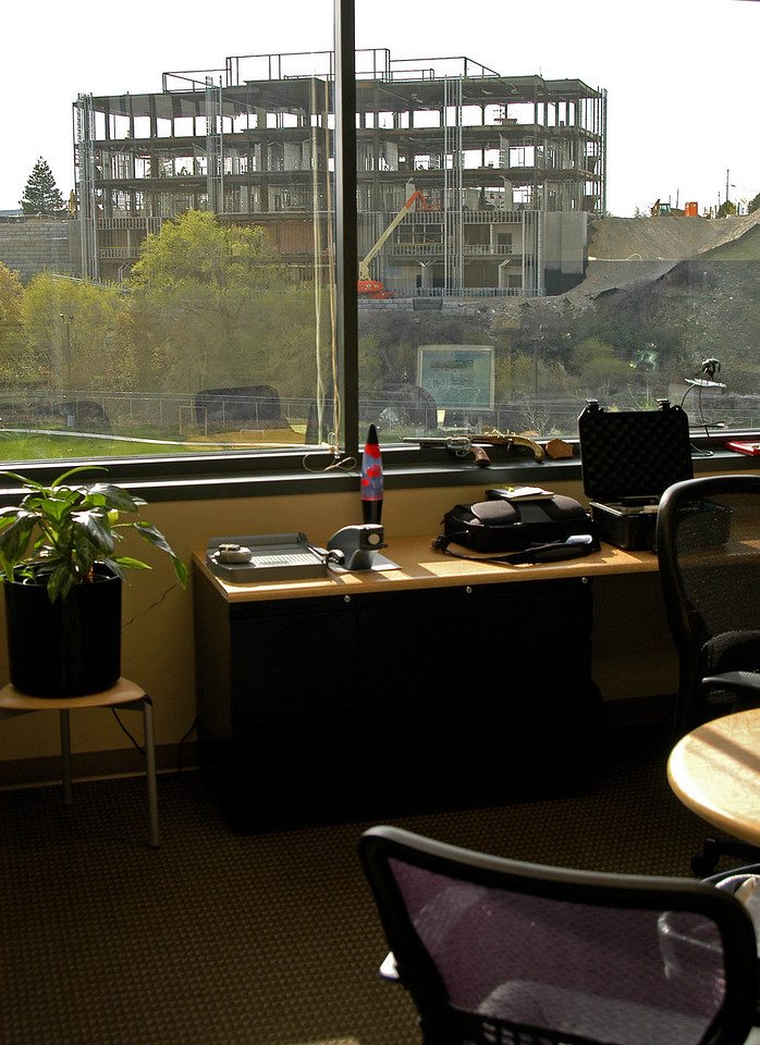 4/5/07 – I finally got into my new office at Mstar. I've got big windows but the only view is the new building being built to the west.