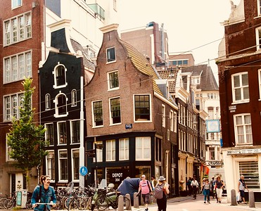 Hundreds of the buildings in Amsterdam have settled and shifted over the centuries.