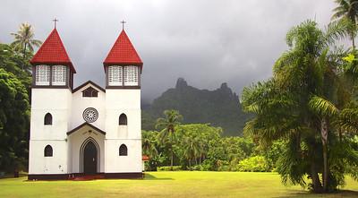 Church along the island ring road - Mo'orea
