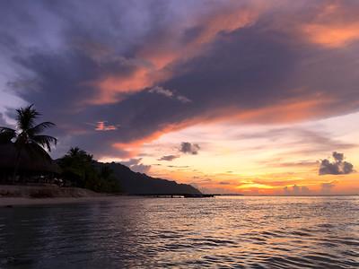 Mo'orea sunset