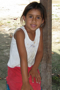 A nina we met on the way to Tikal