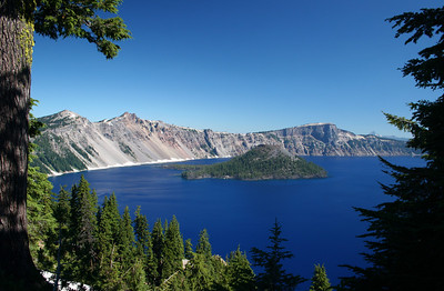 Our first glimpse of the gorgeous CRATER LAKE!!!!
