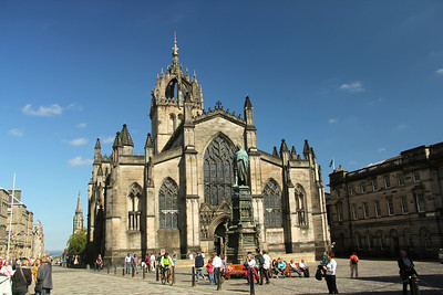 St Giles' Cathedral -also known as the High Kirk of Edinburgh, is the principal place of worship of the Church of Scotland in Edinburgh.  The church has been one of Edinburgh's religious focal points for approximately 900 years. The present church dates from the late 14th century, though it was extensively restored in the 19th century.