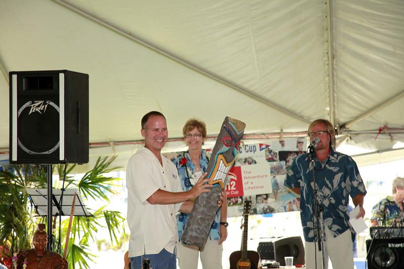 Tiki Award to Tiki J, presented by Gary Troxel
