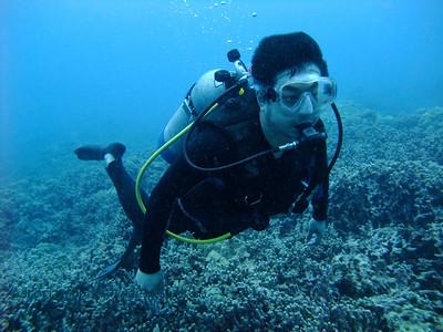 diver2 naia bay 042710 mon