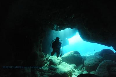 divers suckemup2 041017mon
