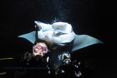 divers manta keauhou2 041017mon