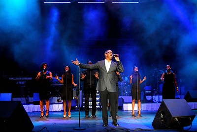 Pastor Waller & Sarita Rachelle perform live at the Dell Music Center in Philadelphia, PA