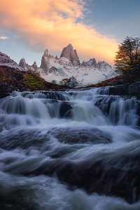 Enjoying a sunrise with Fitz Roy in Patagonia, Argentina