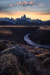 Watching the sunset above Cerro Torre and Fitz Roy - Patagonia, Argentina