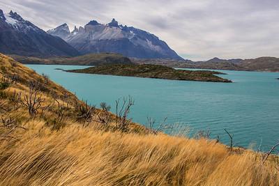 Lago Pehoe, Cuernos Principal.  Torres Del Paine, Chile