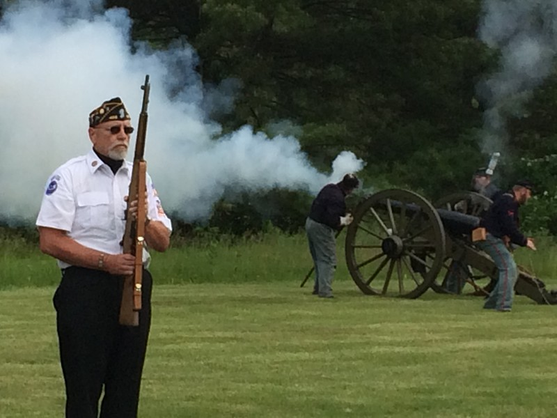 Civil War Re-enactors Honor Gold Star Families