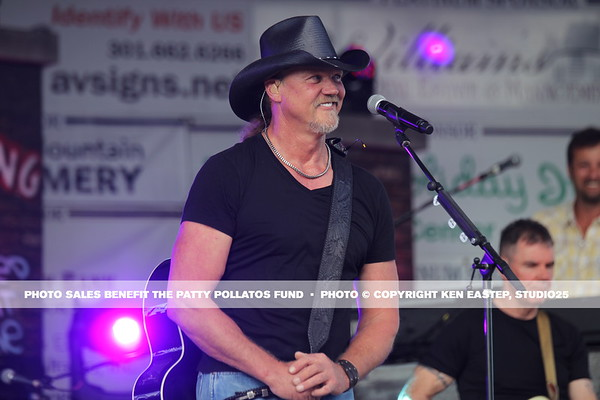 Trace Adkins Concert — 2015 Patty Pollatos Family Fundraiser FUNomenon