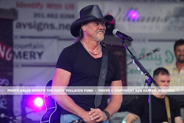 Trace Adkins Concert — 2015 Patty Pollatos Family Fundraiser FUNomenon