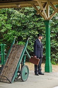 Waiting for a train at Horsted Keynes